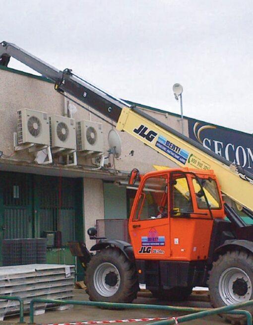 noleggio SOLLEVATORE TELESCOPICO-c240