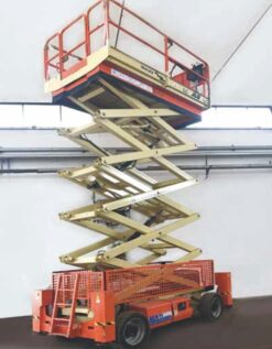 Noleggio Piattaforma aerea verticale c201